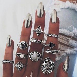 🎁 5/$35! Festie Funky 10 Piece Ring Set